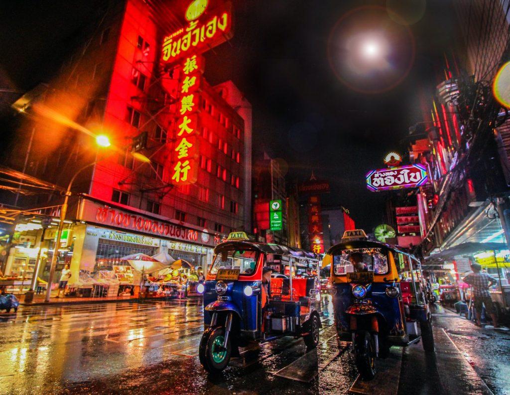 רחוב בבנגקוק תאילנד