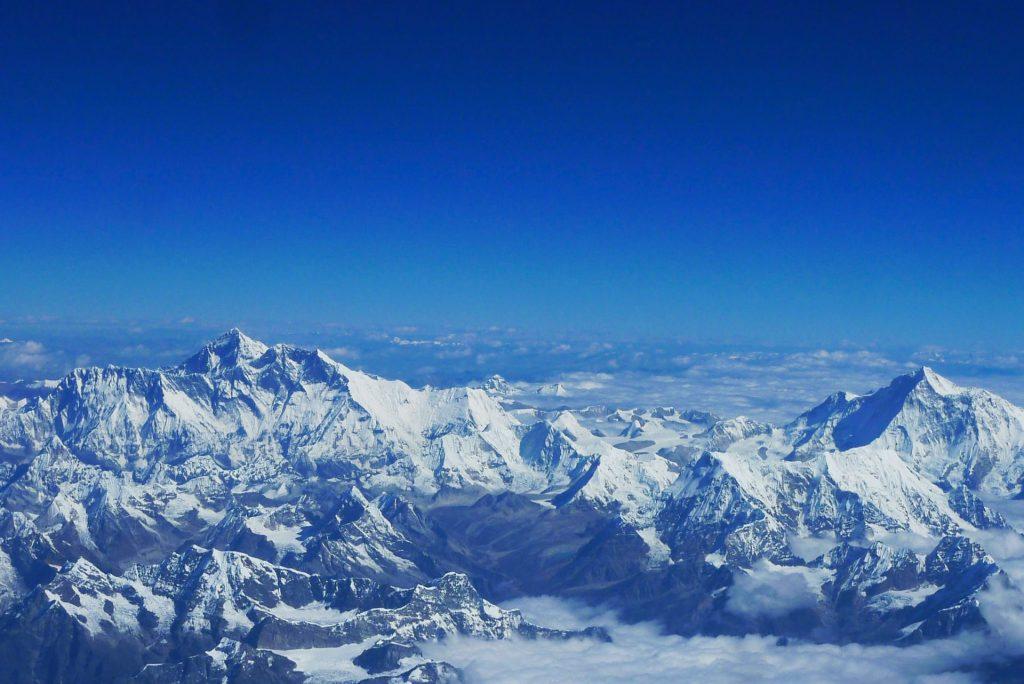 הרים מושלגים בטיבט