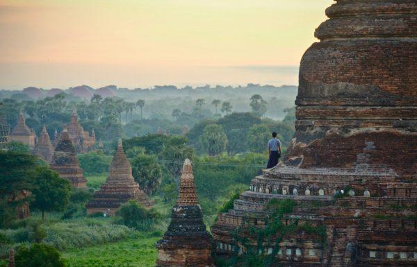 בורמה הארץ שהזמן בה עמד מלכת